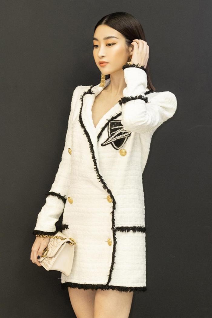 Chẳng cần váy áo điệu đà, Đỗ Mỹ Linh 'chặt đẹp' dàn mỹ nhân với style nữ quyền Ảnh 4