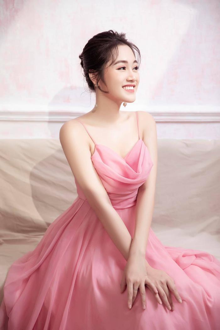Mê mẩn nhan sắc 5 người đẹp được đặc cách vào thẳng Top 60 vòng Bán kết Hoa hậu Việt Nam Ảnh 7