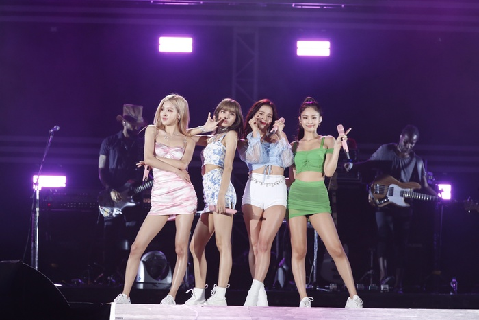 Mặt trận Kpop trên World Album Billboard tuần này: BTS áp đảo một nửa BXH, NCT 127 hết 'đóng băng', Stray Kids gây bất ngờ