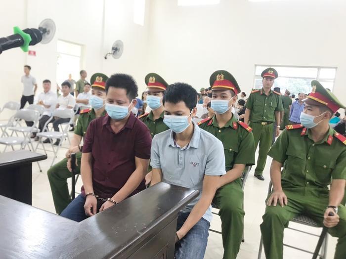 Hàng trăm người dân Bắc Ninh kéo đến xem xét xử chủ quán nướng bắt khách quỳ xin lỗi vì dám 'bóc phốt' đồ ăn có sán Ảnh 11