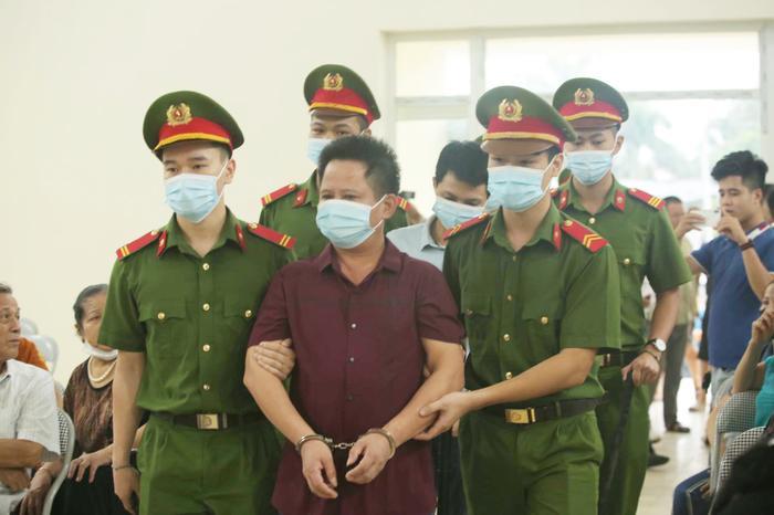 Hàng trăm người dân Bắc Ninh kéo đến xem xét xử chủ quán nướng bắt khách quỳ xin lỗi vì dám 'bóc phốt' đồ ăn có sán Ảnh 8