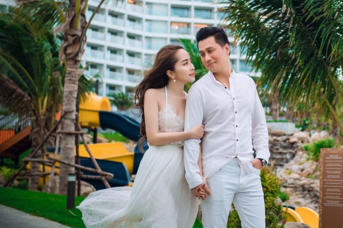 Việt Anh và Quỳnh Nga tung ảnh tình tứ mặc dù phủ nhận tin đồn hẹn hò Ảnh 2