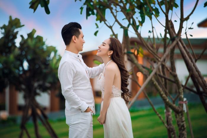 Việt Anh và Quỳnh Nga tung ảnh tình tứ mặc dù phủ nhận tin đồn hẹn hò Ảnh 1