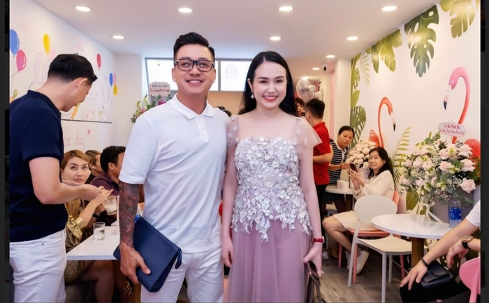 Tuấn Hưng hạnh phúc vì được bà xã Hương Baby tổ chức sinh nhật bất ngờ Ảnh 5