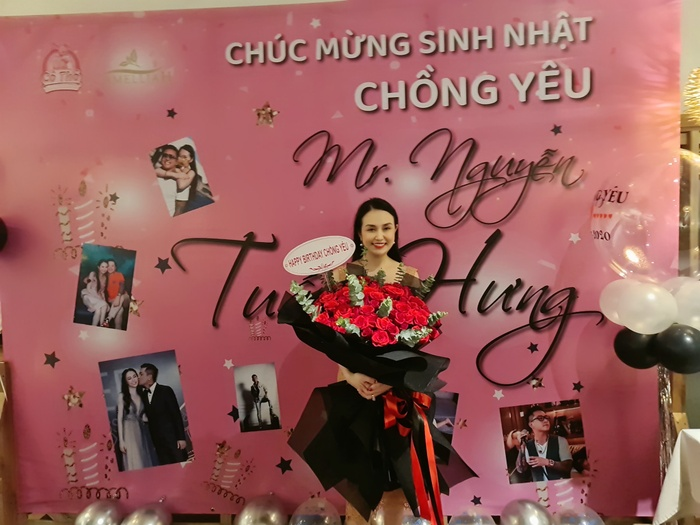 Tuấn Hưng hạnh phúc vì được bà xã Hương Baby tổ chức sinh nhật bất ngờ Ảnh 2