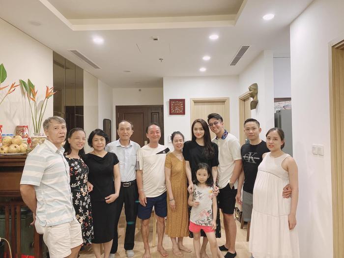 Matt Liu ra mắt gia đình Hương Giang: Anh chàng đang định 'đánh nhanh rút gọn' để 'đưa nàng về dinh'? Ảnh 3
