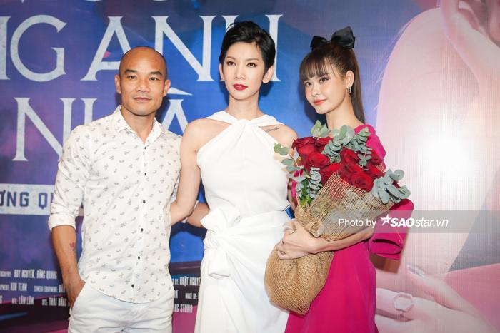 Trường Giang, Tiến Luật và dàn sao hùng hậu đội mưa đến chúc mừng Trương Quỳnh Anh ra mắt MV Ảnh 18