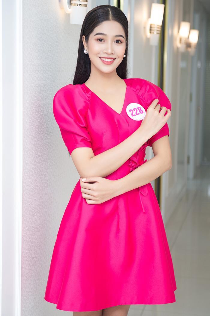 Chiêm ngưỡng nhan sắc Top 60 người đẹp tranh vương miện Hoa Hậu Việt Nam 2020 Ảnh 15