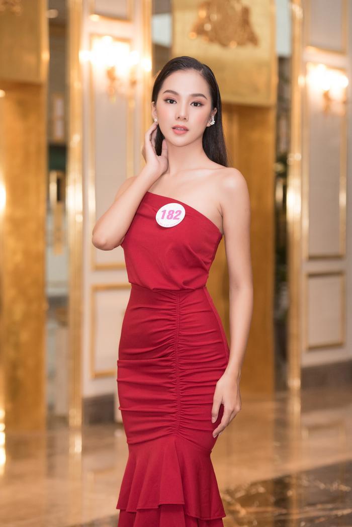 Chiêm ngưỡng nhan sắc Top 60 người đẹp tranh vương miện Hoa Hậu Việt Nam 2020 Ảnh 6