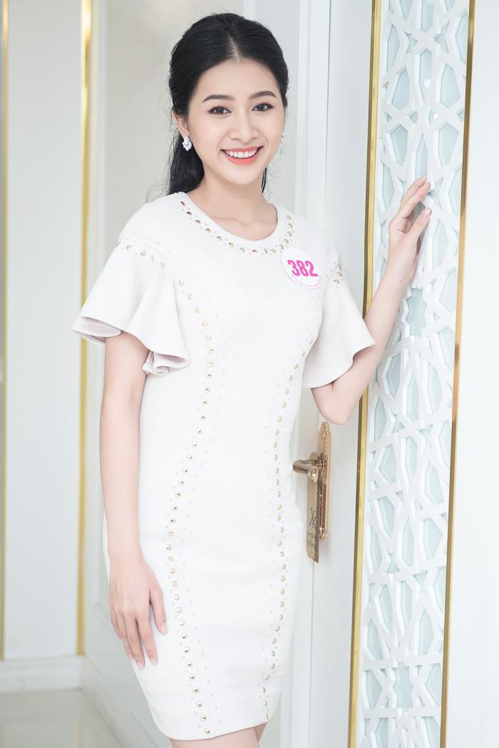 Chiêm ngưỡng nhan sắc Top 60 người đẹp tranh vương miện Hoa Hậu Việt Nam 2020 Ảnh 14