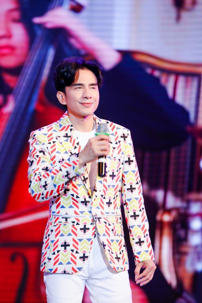 Ấm lòng đêm nhạc gây quỹ từ thiện: Loạt nghệ sĩ sẵn sàng hát miễn phí để lan rộng yêu thương Ảnh 5
