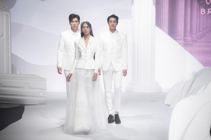 Hoàng Thuỳ, Minh Tú diện váy cưới quá sức lộng lẫy khiến fan tê liệt Ảnh 17
