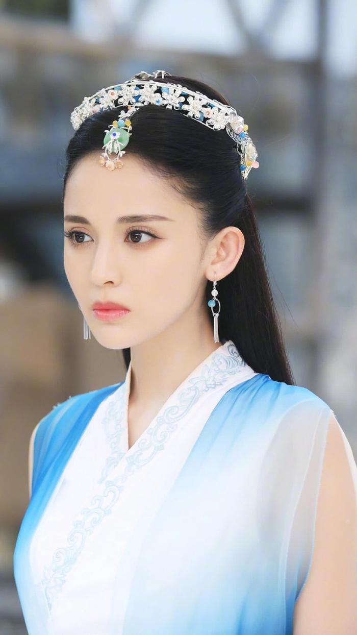 Những mỹ nhân Hoa ngữ chưa từng đóng phim về thời nhà Thanh Ảnh 5