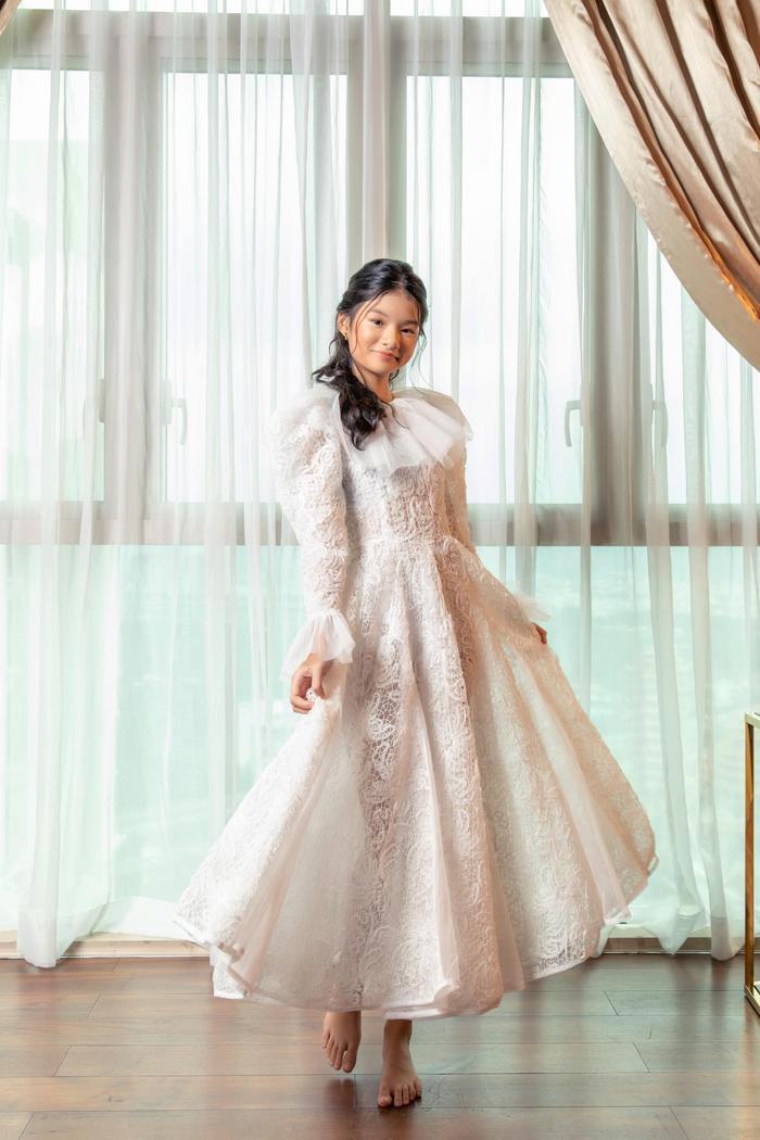 Con gái Trương Ngọc Ánh lại gây sốt với bộ ảnh xinh đẹp chuẩn hoa hậu tương lai Ảnh 8
