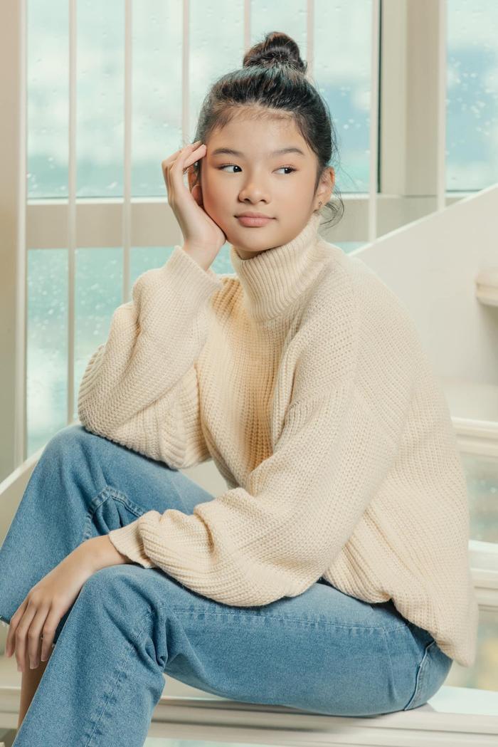 Con gái Trương Ngọc Ánh lại gây sốt với bộ ảnh xinh đẹp chuẩn hoa hậu tương lai Ảnh 2