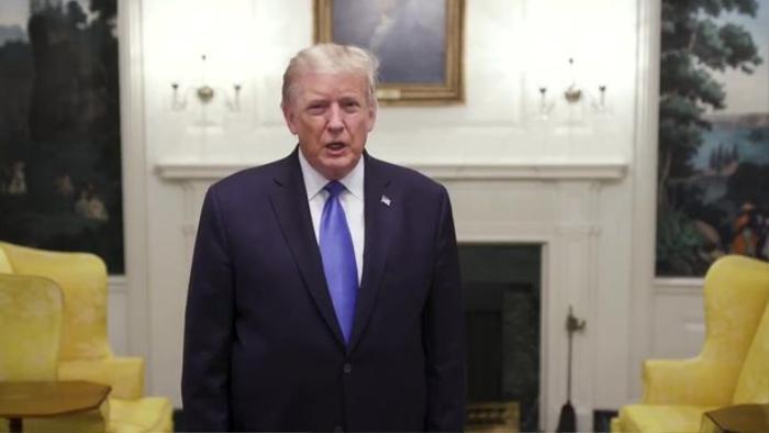 Ngôn ngữ cơ thể 'tố' ông Trump lo lắng khi chiến đấu với COVID-19 Ảnh 3