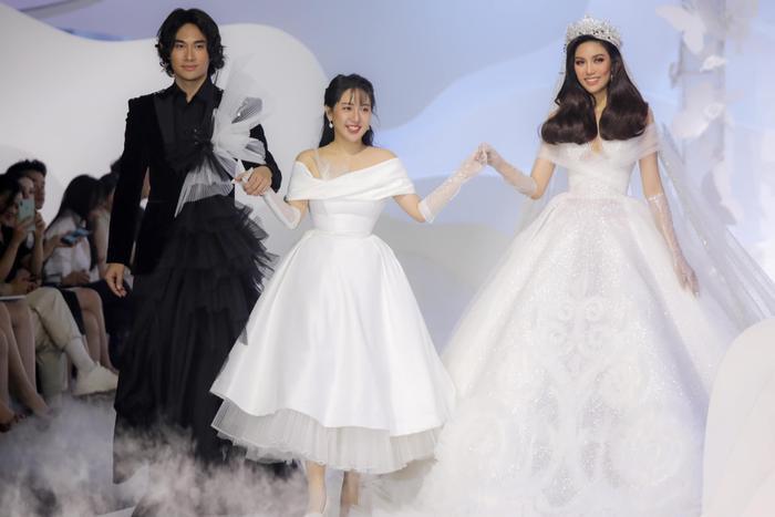 Á hậu Hoàng Thùy, Lan Khuê khiến khán giả ngẩn ngơ khi diện váy cưới xa hoa Ảnh 14