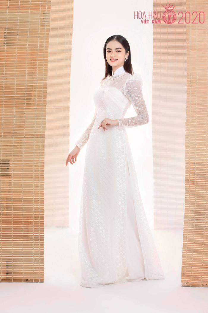 Mê mẩn ngắm nhan sắc Top 60 Hoa hậu Việt Nam 2020 diện áo dài trắng tinh khôi Ảnh 14