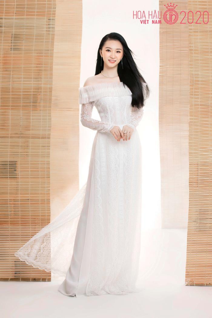 Mê mẩn ngắm nhan sắc Top 60 Hoa hậu Việt Nam 2020 diện áo dài trắng tinh khôi Ảnh 9