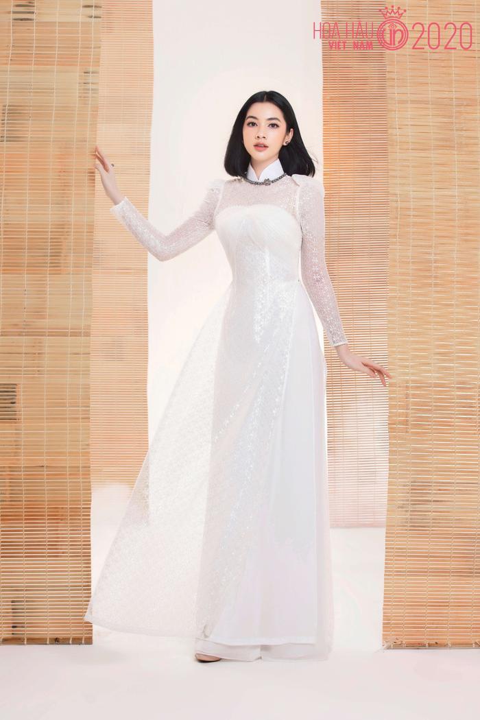 Mê mẩn ngắm nhan sắc Top 60 Hoa hậu Việt Nam 2020 diện áo dài trắng tinh khôi Ảnh 4