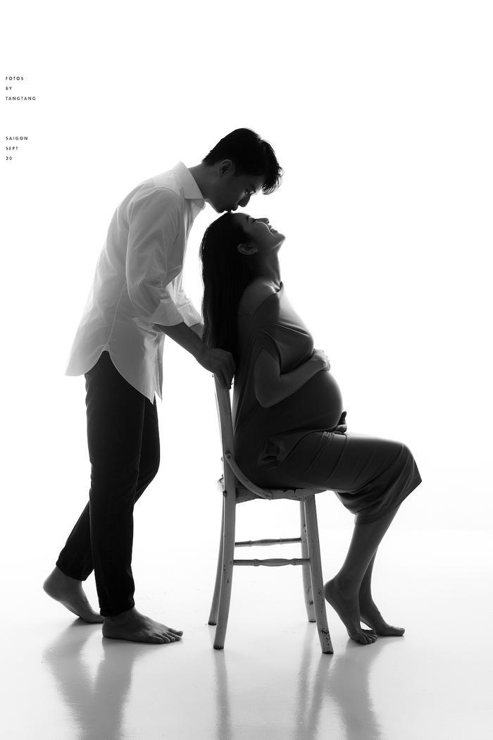 Á hậu Thúy Vân viên mãn trong bộ ảnh cuối thai kì, bật mí món quà ông xã Nhật Vũ tặng dịp sinh nhật Ảnh 4