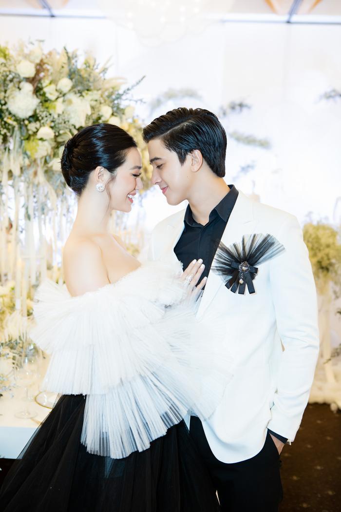 Hoa hậu Tiểu Vy, Lương Thùy Linh 'bùng nổ' nhan sắc, chiếm lĩnh bảng đầu sao đẹp Ảnh 10