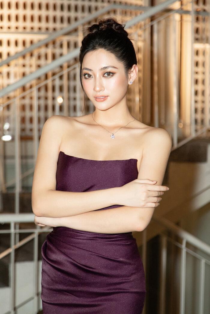 Hoa hậu Tiểu Vy, Lương Thùy Linh 'bùng nổ' nhan sắc, chiếm lĩnh bảng đầu sao đẹp Ảnh 4