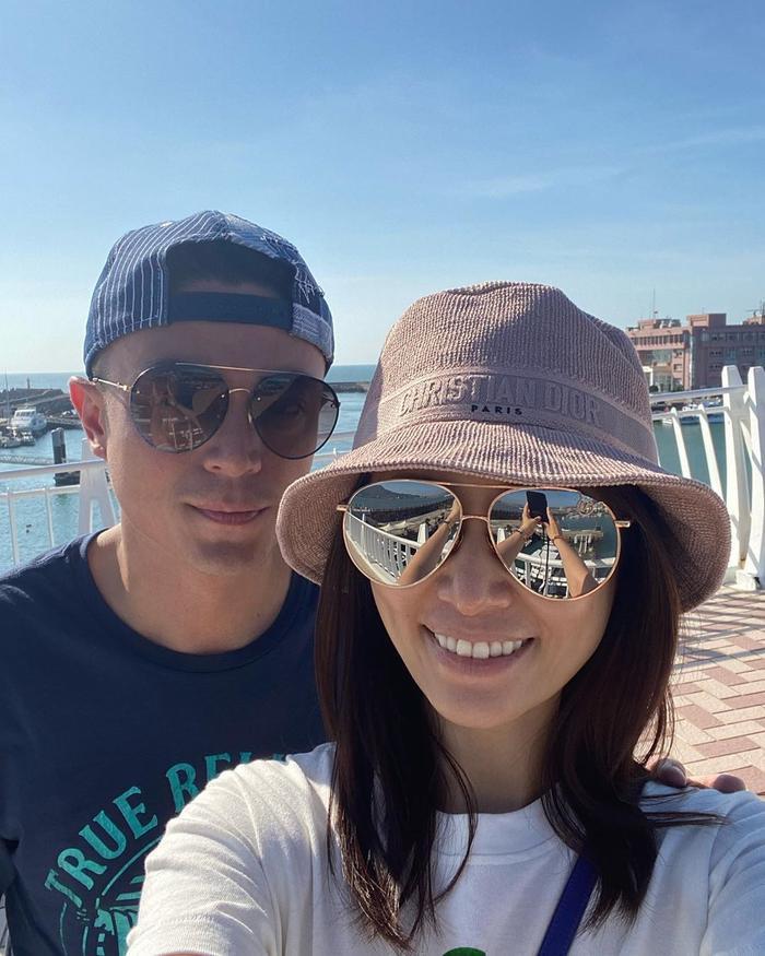 Lâm Tâm Như - Hoắc Kiến Hoa chụp ảnh selfie: Da vẻ khô ráp, gương mặt tiều tụy Ảnh 10