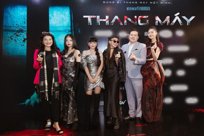 Chỉ hát OST, Han Sara vẫn 'chặt đẹp' thảm đỏ họp báo phim 'Thang máy' Ảnh 2