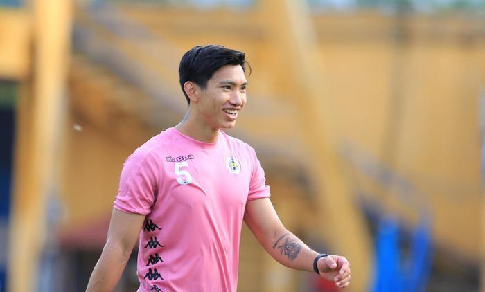 Hà Nội FC giấu tình hình chấn thương của Văn Hậu, Đình Trọng? Ảnh 1