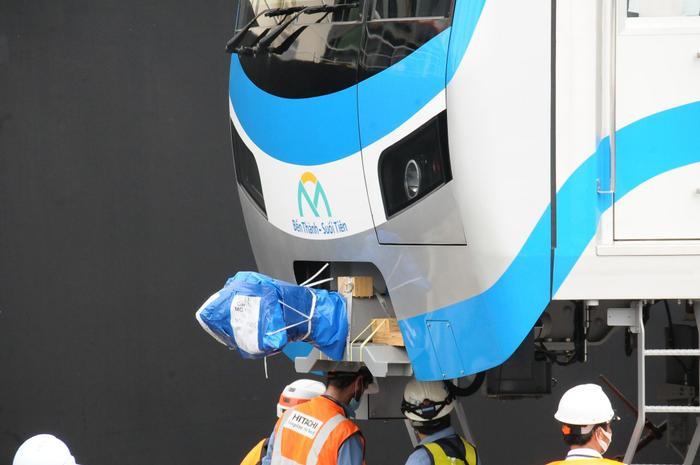 Hình ảnh đầu tiên của đoàn tàu Metro Bến Thành - Suối Tiên vừa có mặt ở Sài Gòn Ảnh 7