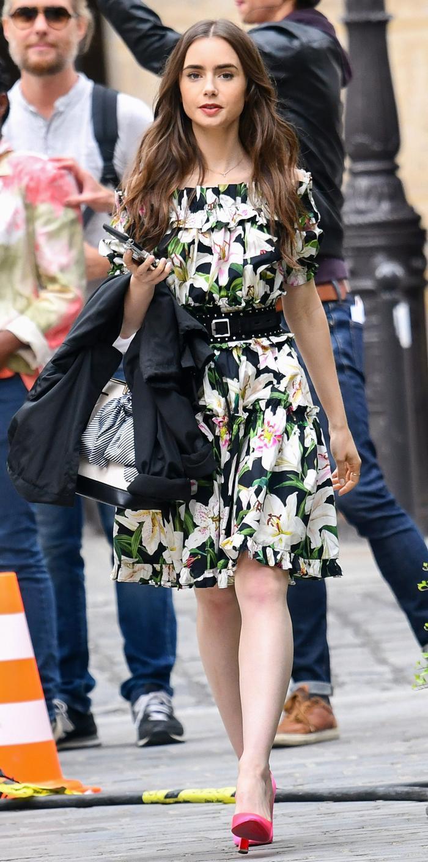 Mặc đẹp theo phong cách Pháp như Lily Collins trong bộ phim Netflix đình đám Emily in Paris Ảnh 8
