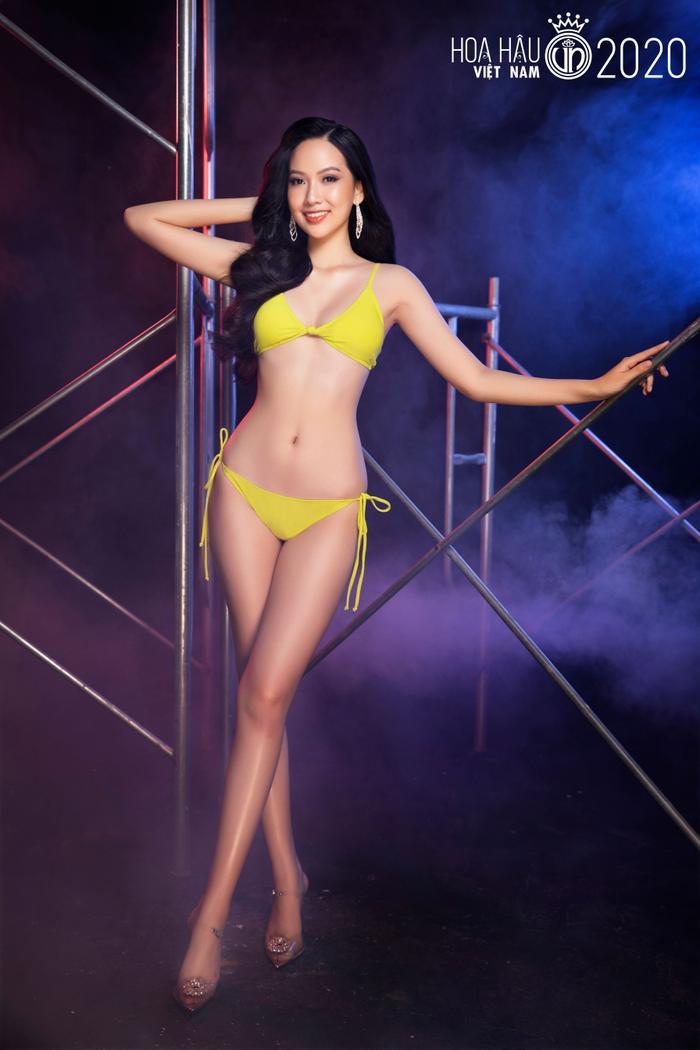 Top 60 Hoa hậu Việt Nam 2020 quyến rũ 'hút mắt' fan trong bộ ảnh bikini Ảnh 12