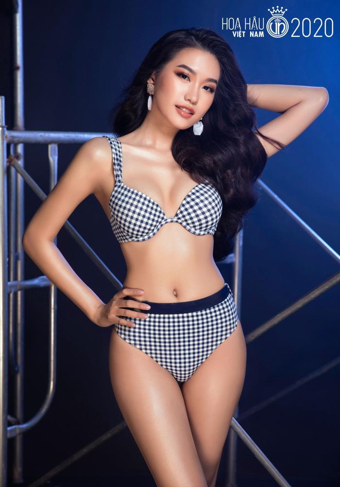 Top 60 Hoa hậu Việt Nam 2020 quyến rũ 'hút mắt' fan trong bộ ảnh bikini Ảnh 15