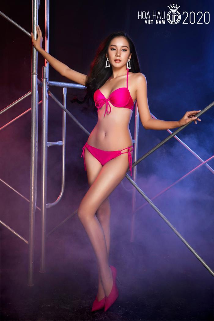 Top 60 Hoa hậu Việt Nam 2020 quyến rũ 'hút mắt' fan trong bộ ảnh bikini Ảnh 21