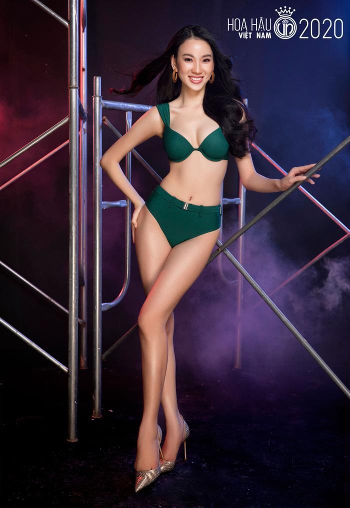 Top 60 Hoa hậu Việt Nam 2020 quyến rũ 'hút mắt' fan trong bộ ảnh bikini Ảnh 7