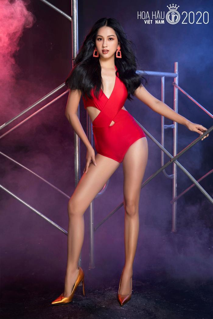 Top 60 Hoa hậu Việt Nam 2020 quyến rũ 'hút mắt' fan trong bộ ảnh bikini Ảnh 19