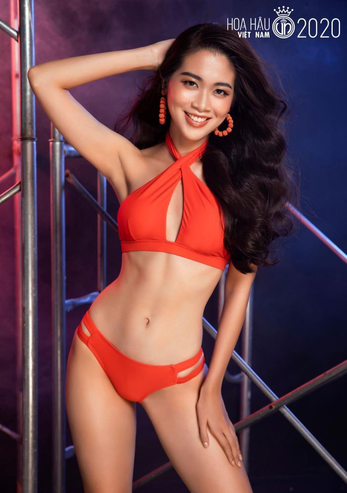 Top 60 Hoa hậu Việt Nam 2020 quyến rũ 'hút mắt' fan trong bộ ảnh bikini Ảnh 18