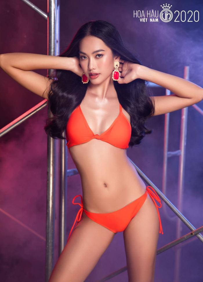 Top 60 Hoa hậu Việt Nam 2020 quyến rũ 'hút mắt' fan trong bộ ảnh bikini Ảnh 25