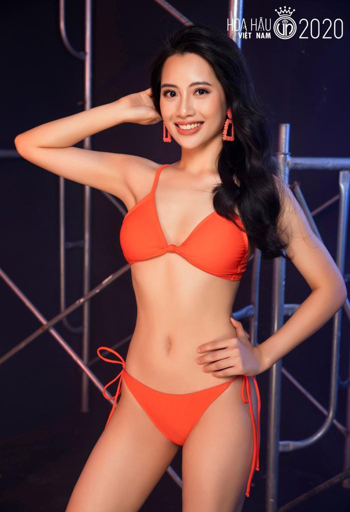 Top 60 Hoa hậu Việt Nam 2020 quyến rũ 'hút mắt' fan trong bộ ảnh bikini Ảnh 3