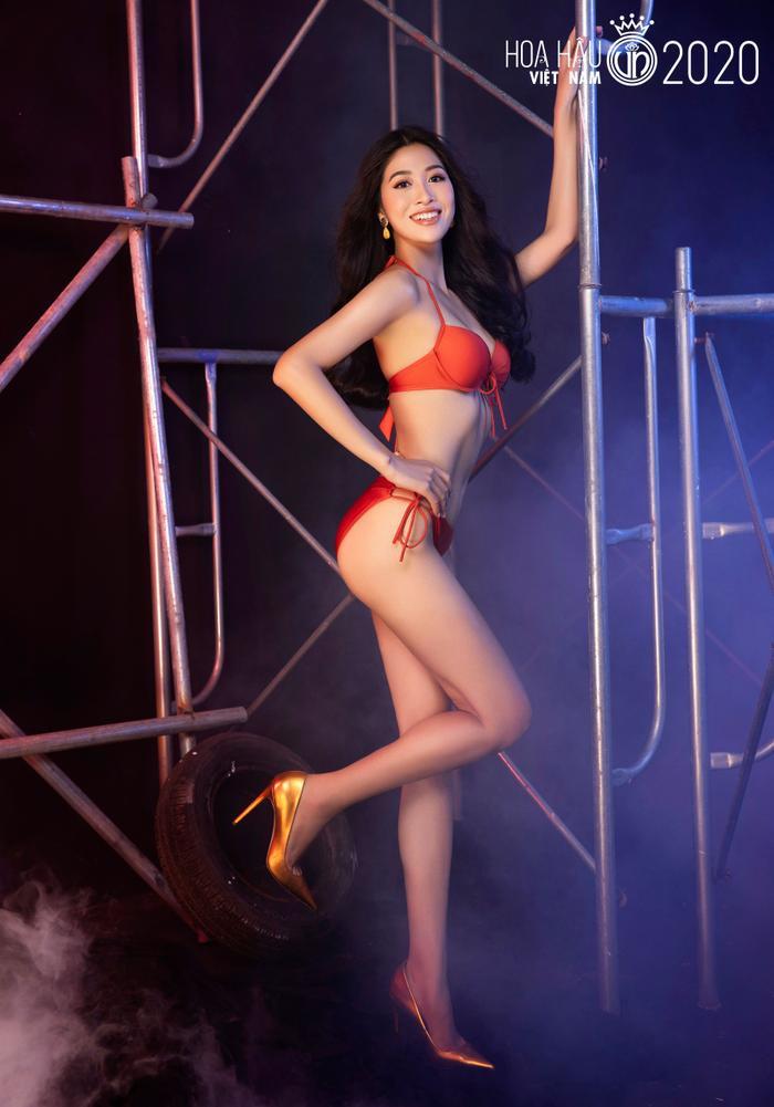 Top 60 Hoa hậu Việt Nam 2020 quyến rũ 'hút mắt' fan trong bộ ảnh bikini Ảnh 2