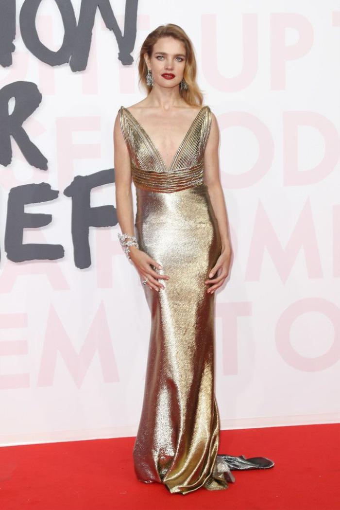 Siêu mẫu 'lọ lem' Natalia Vodianova từ cô bán hàng rong trở thành vợ của tài phiệt thời trang Ảnh 13