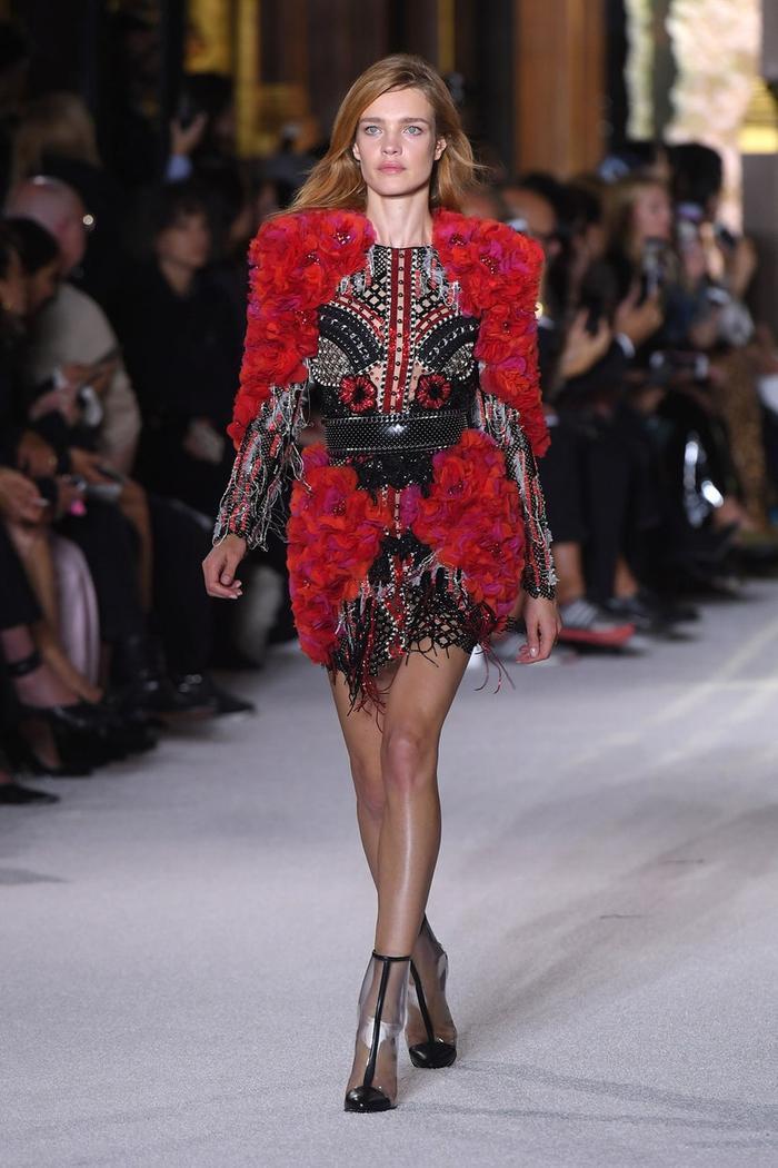 Siêu mẫu 'lọ lem' Natalia Vodianova từ cô bán hàng rong trở thành vợ của tài phiệt thời trang Ảnh 7