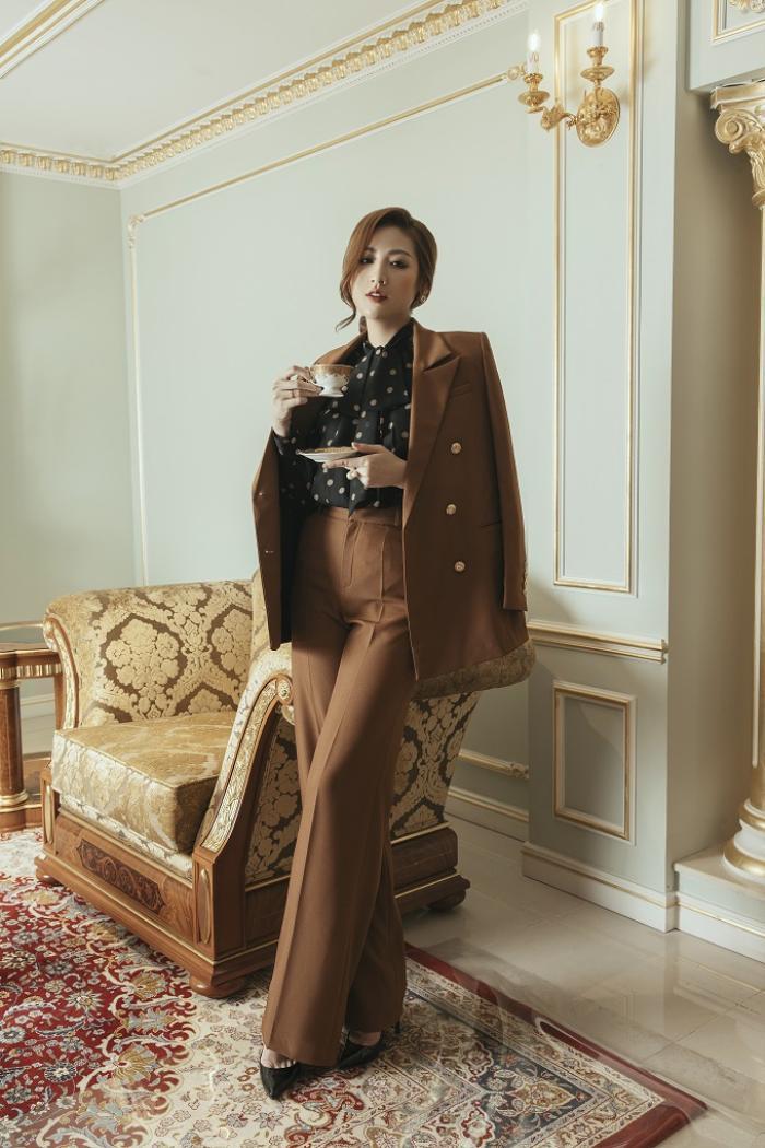 Á hậu Tú Anh gợi ý mặc đẹp với phong cách Retro những năm 50 Ảnh 4