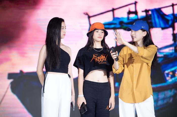 Dàn Hoa hậu Tiểu Vy, Thúy An, Phương Nga tỏa sáng khi để mặt mộc, nhìn sang Hiền Thục mới bất ngờ Ảnh 1