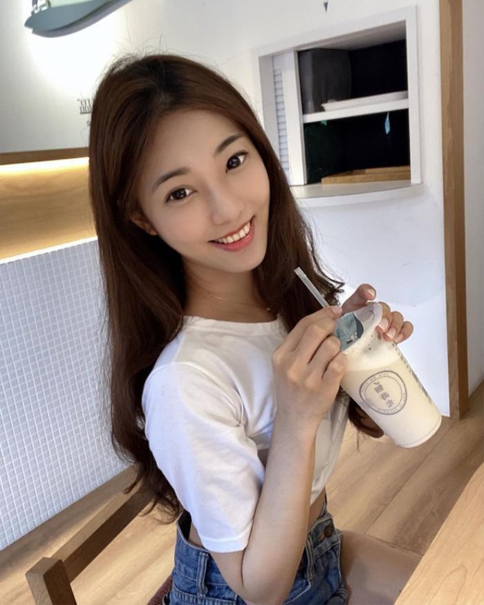 Giảng viên Đài Loan vừa xinh đẹp lại vừa sở hữu học vấn 'khủng' khiến bao người ngưỡng mộ Ảnh 6