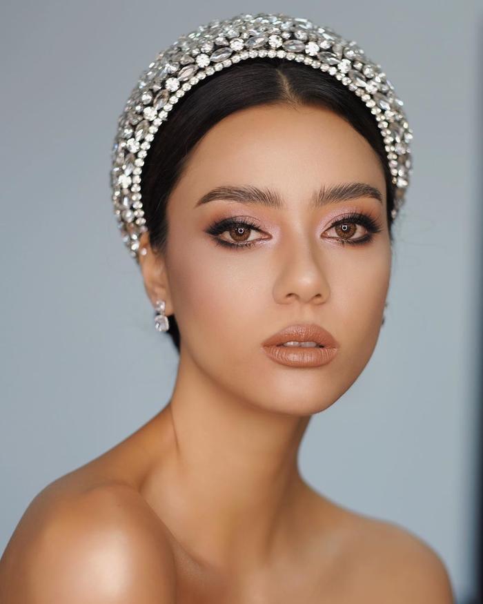 So nhan sắc, trình độ catwalk của Khánh Vân và Tân Hoa hậu Hoàn vũ Thái Lan: Ai hơn ai? Ảnh 11