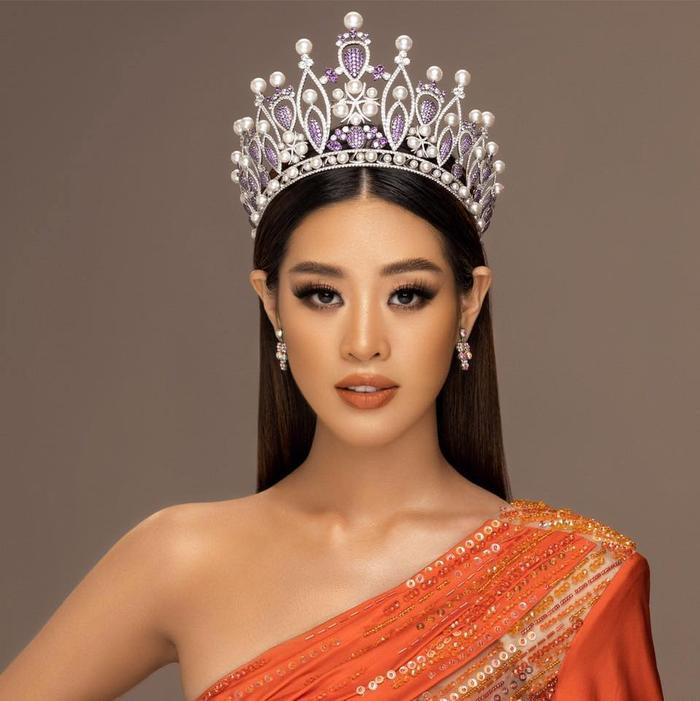 So nhan sắc, trình độ catwalk của Khánh Vân và Tân Hoa hậu Hoàn vũ Thái Lan: Ai hơn ai? Ảnh 18