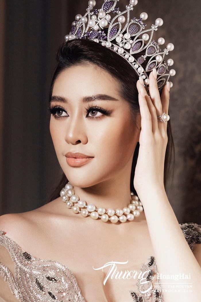 So nhan sắc, trình độ catwalk của Khánh Vân và Tân Hoa hậu Hoàn vũ Thái Lan: Ai hơn ai? Ảnh 15