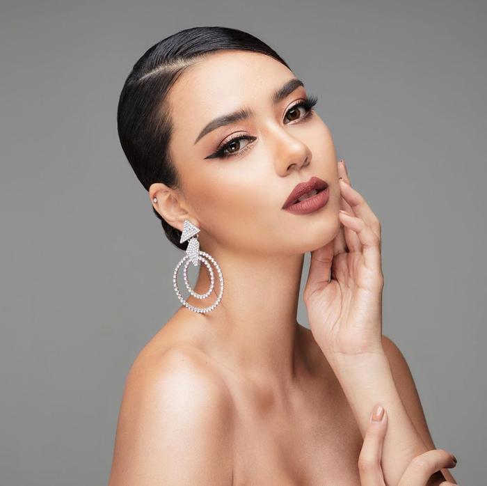 So nhan sắc, trình độ catwalk của Khánh Vân và Tân Hoa hậu Hoàn vũ Thái Lan: Ai hơn ai? Ảnh 7